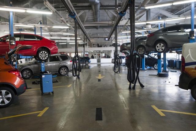 10万キロオーバーの中古車を買ったら維持費はどれくらいかかるの?