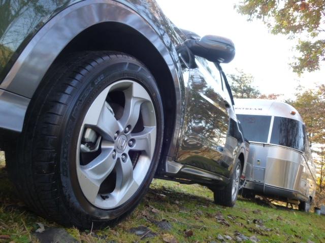 ファミリーニーズの高いミニバンやアクティビティなSUVなどの中古車は人気