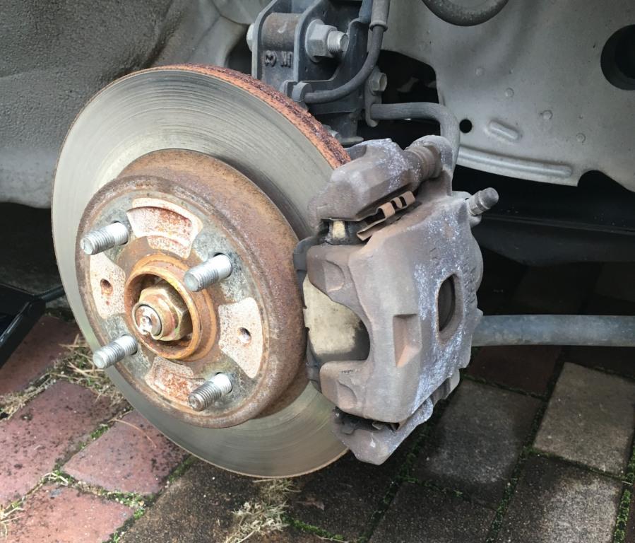 フロントブレーキローターの変形