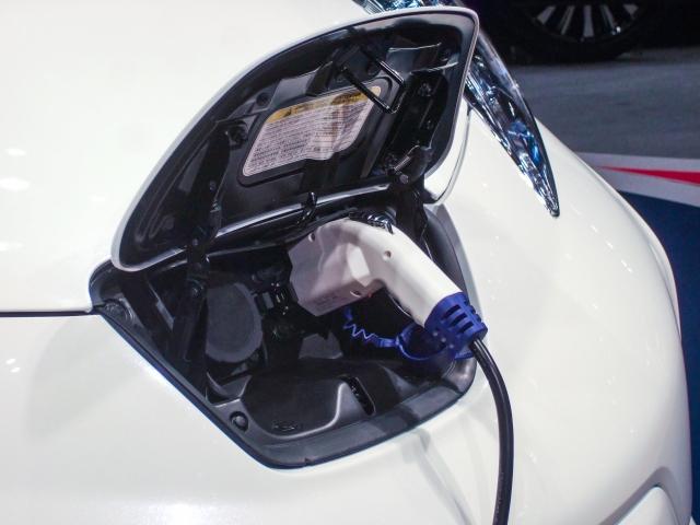 ハイブリッドやEVモデルはバッテリーの寿命に注意