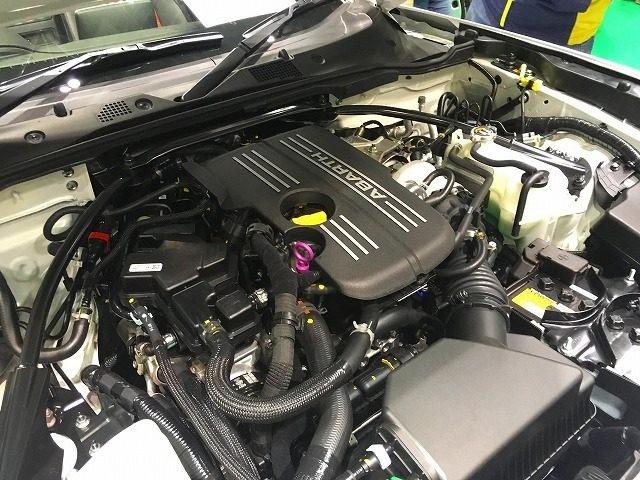 アバルト124スパイダーエンジン