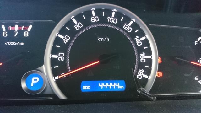 中古車は5万キロ超えたら売るのも買うのも損する?5万キロ走った中古車売買のポイント