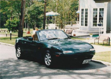 ユーノスロードスターは初代モデルのNA型のみ